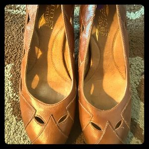 Aerosoles heels size 8